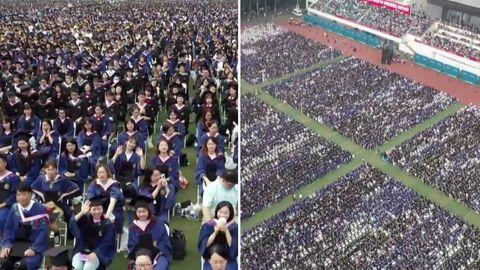 Wuhan im Sommer 2021: 11.000 Studenten feiern ihren Abschluss