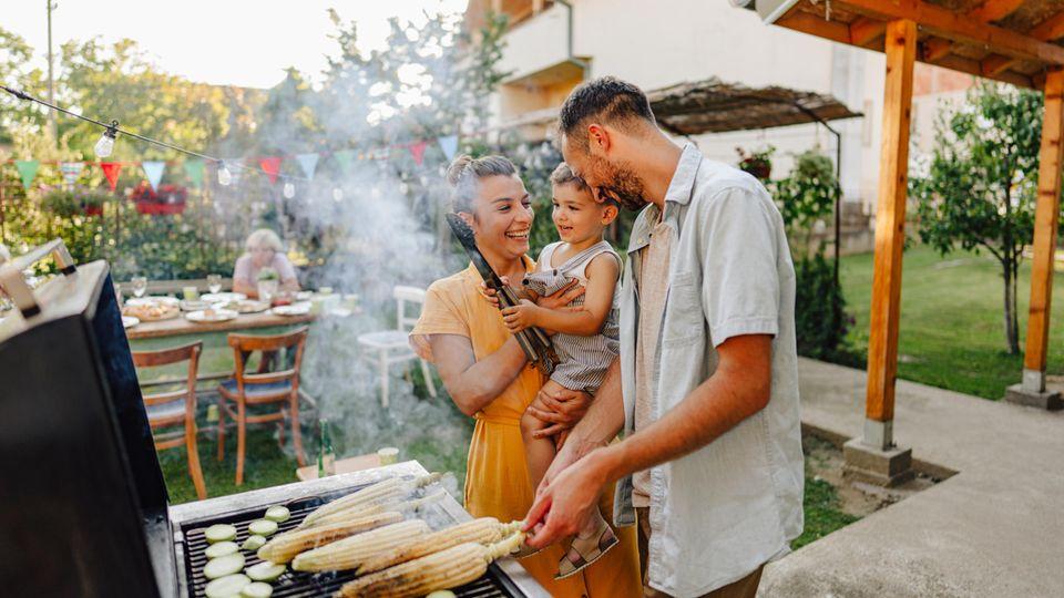 Grillen mit der Familie