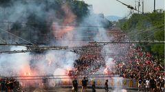Zehntausende ungarische Fans waren zuvor in einem geschlossenen Fanmarsch durch die Straßen zum Stadion gezogen