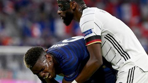 Pogba (l.) und Rüdiger im Spiel Deutschland gegen Frankreich
