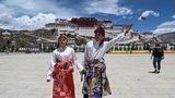 Der Potala-Palast gehört seit 1994 zum Weltkulturerbe der Unesco. Tibet wurde nach offiziellen Angaben im vergangenen Jahr von 35 Millionen Touristen besucht – fast alles Chinesen.