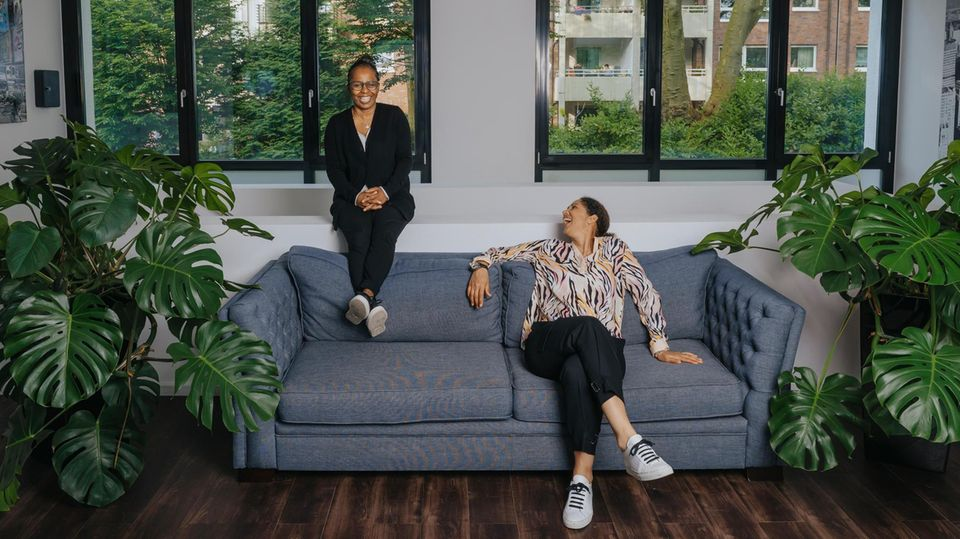 Heute begnügen sich die ehemaligen Spitzenspielerinnen mit einem Platz auf dem Sofa, wenn die Männer um die Europameisterschaft spielen