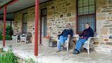 """""""Vor 20 Jahren hatten wir die Midlife Crisis"""", sagt Dave von Skillogalee Wines. Ihr Ausweg: Der ehemalige Buchhalter und die Lehrerin sattelten umund erwarben das Weingut im Clare Valley 130 Kilometer nördlich von Adelaide"""