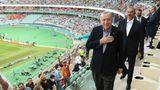 Da haben alle Gebete und patriotischen Gesten nichts gebracht: Der türkische Präsident musste erleben, wie die Türkei gegen Wales verlor.