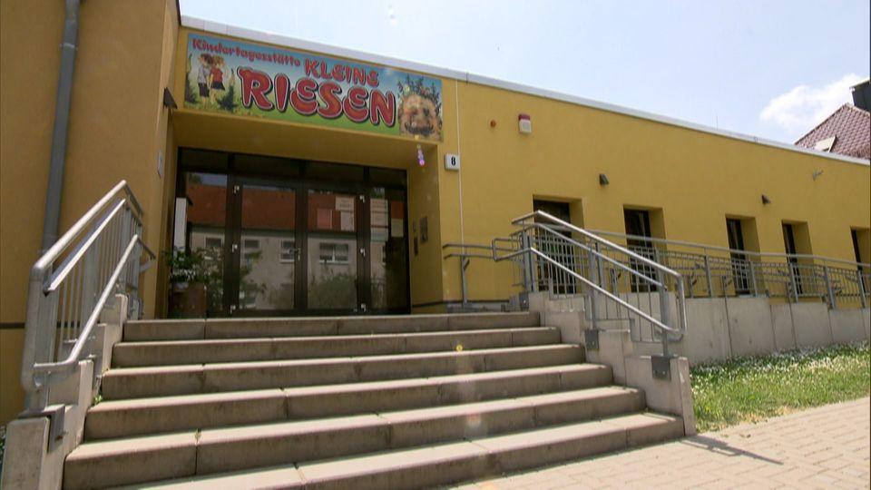 Kita-Skandal in Teutschenthal: Sechs Erzieherinnen mit Alkohol-Fahne im Kindergarten erwischt