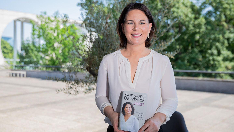 Annalena Baerbock mit ihren neuen Buch