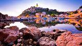 Corona Regeln in Kroatien, im Bild zu sehen ist Vrbnik in der Kavrner Bucht