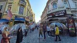 Corona Regeln in Rumänien. Auf dem Foto zu sehen ist eine Einkaufsstraße