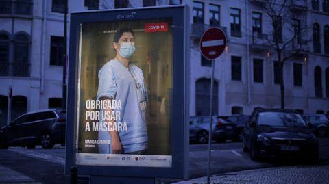 """Corona-Plakat in Lissabon: """"Danke, dass du eine Maske trägst"""""""