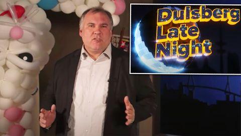 """SchulleiterBjörn Lengwenus erhält für seineYoutube-Show """"Dulsberg Late Night"""" den Grimme Online Awardin der Kategorie """"Kultur und Unterhaltung""""."""