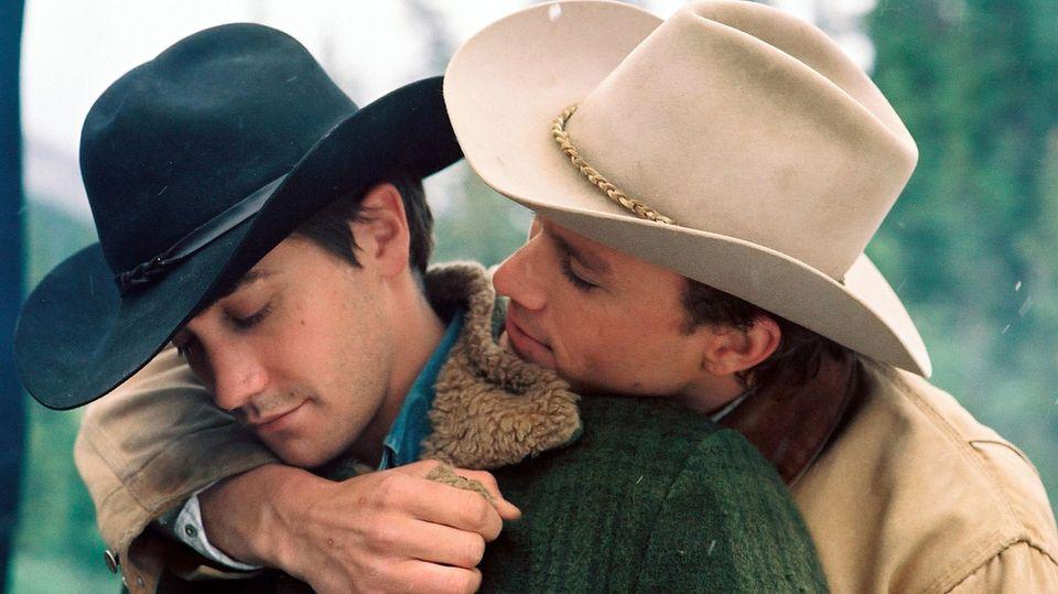 """Jake Gyllenhaal und Heath Ledger spielten in """"Brokeback Mountain"""" zwei homosexuelle Männer"""