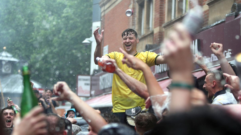 Schottische Fans auf dem Leicester Square