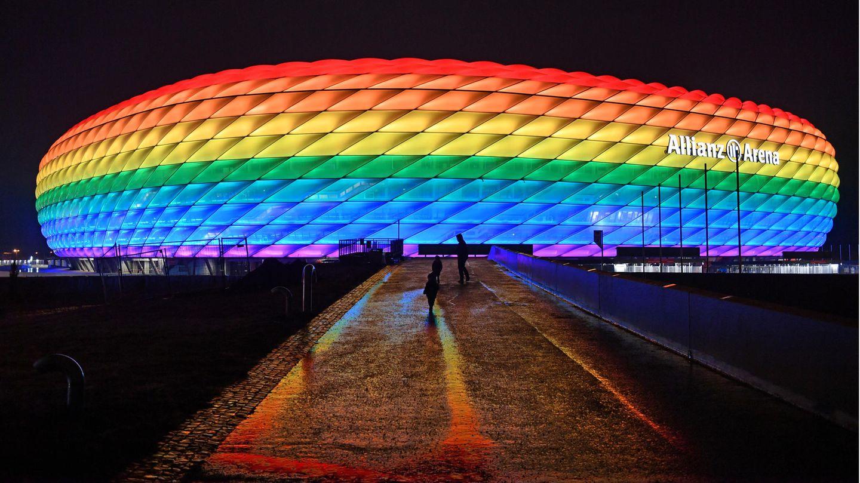 Die Münchner Allianz-Arena erstrahlt in Regenbogenfarben