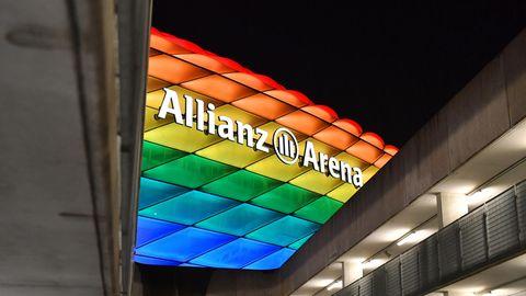 Fotomontage: Allianz-Arena in München in Regenbogenfarben mit dem Euro-2020-Logo