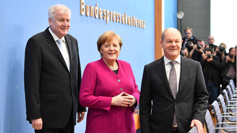 Von links: Bundeskanzlerin Merkel (CDU), Bundesinnenminister Seehofer (CSU) und Bundesfinanzminister Scholz (SPD)