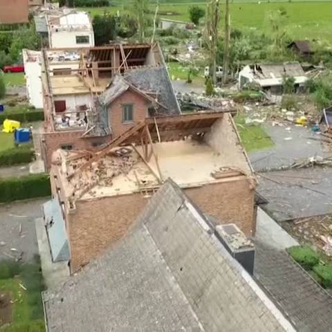 Video: Belgien: Tornado richtet große Schäden an