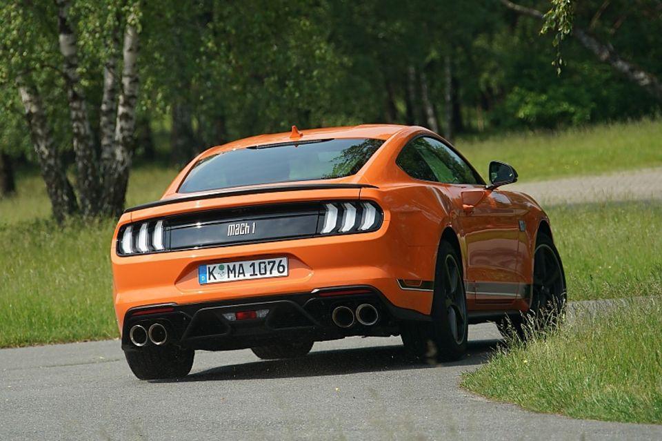 Teile des Fahrwerks stammen vom Shelby GT und geben dem Mustang Mach 1 noch mehr Agilität