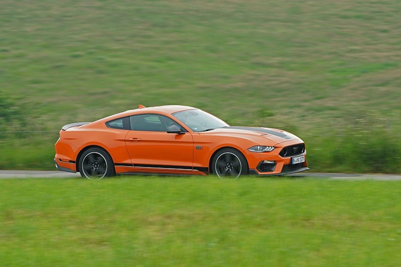 Der Ford Mustang Mach 1 schafft eine Höchstgeschwindigkeit von 267 km/h