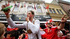 Österreichische Fans feiern in Bukarest