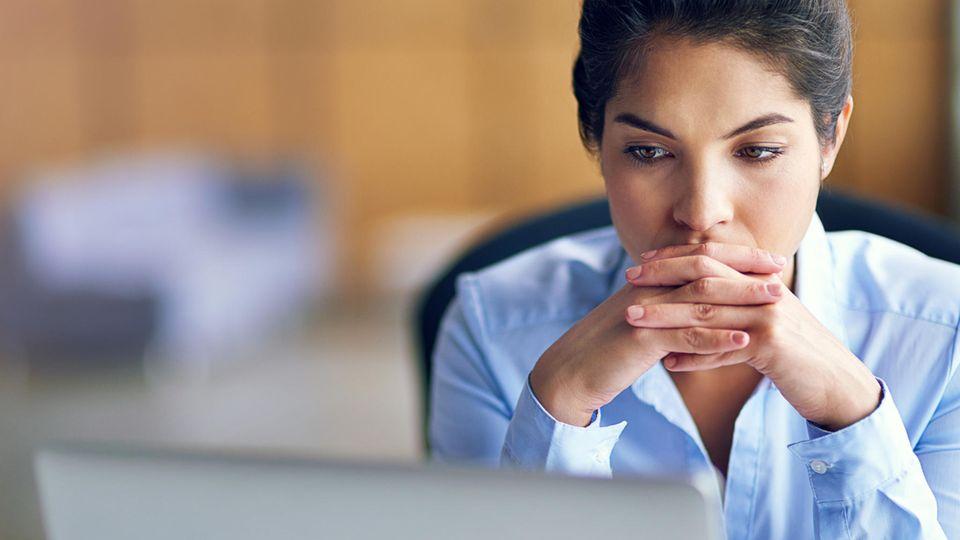 """Rat vom Jobcoach: """"Irgendwie passe ich auf der Arbeit nicht richtig rein. Wie viel Verbiegen muss sein?"""""""