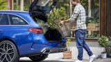 Der Kofferraum hat ein Volumen von 360 Litern, legt man die Lehnen der Rückbank um, werden 1.375 Liter daraus