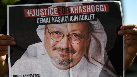 Plakat mit der Aufschrift #JusticeForKhashoggi
