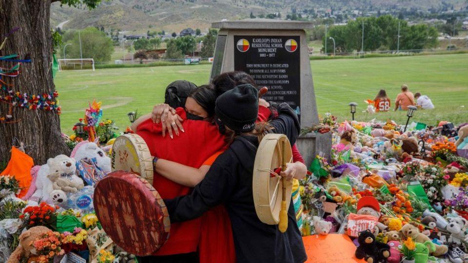 Bereits im Mai wurden auf einem ehemaligen Internatsgeländedie Leichen von 215 indigenen Kindern entdeckt