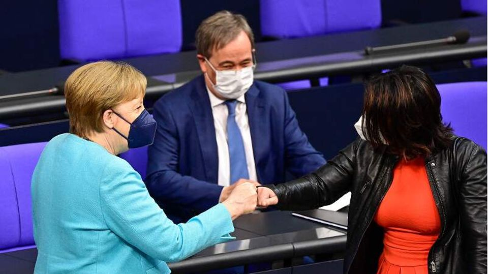 K-Kandidaten sprachen nach ihr: Merkel nutzt ihre (wohl) letzte Regierungserklärung, um eine stärkere EU zu fordern