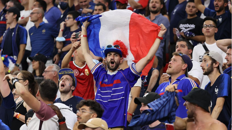 Französische Fans im Puskas-Stadion in Budapest
