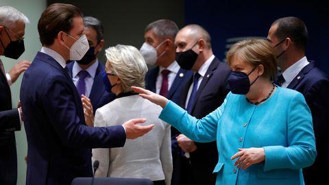 EU-Gipfel Sebastian Kurz und Angela Merkel im Gespräch