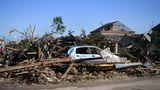 Der Wetterdienst CHMU bestätigte später, dass es sich um einen Tornado gehandelt habe. InTschechiengilt das als seltene Erscheinung, den letzten Tornado gab es vor drei Jahren.