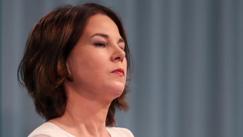 Annalena Baerbock mit ernstem Gesicht