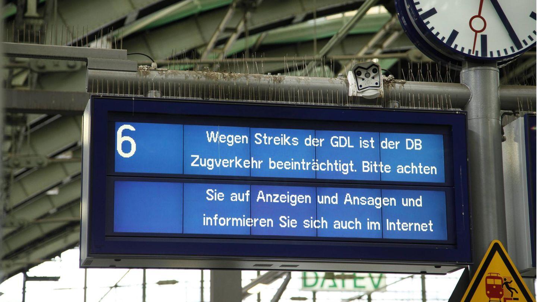 Anzeige am Bahnhof