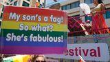 """""""Pride ist nicht nur eine Party,"""" sagte die 20-jährige Ofir. """"Es ist ein Protest."""""""