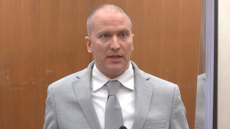 Ex-Polizist Derek Chauvin vor der Verkündung des Strafmaßes im Fall George Floyd im Gerichtssaal in Minneapolis