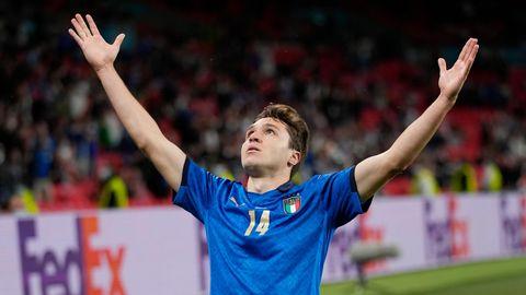 Federico Chiesa feiert sein erlösendes 1:0 in der Verlängerung