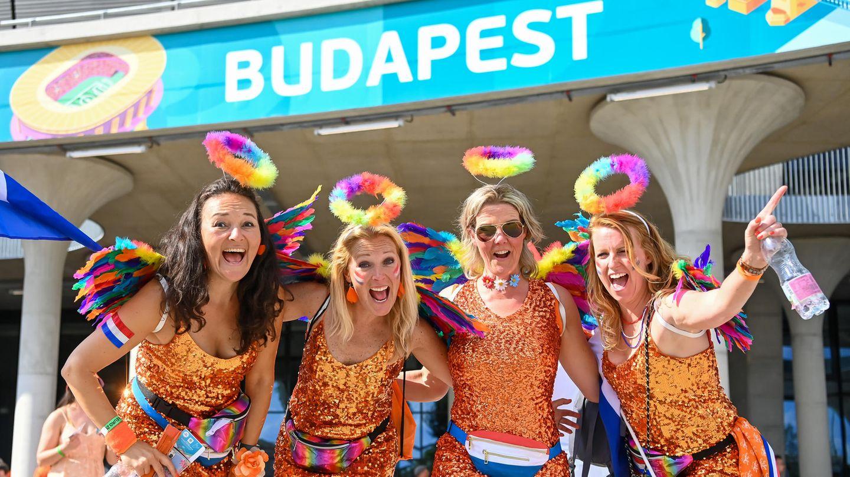 Die holländischen Fans waren gewohnt orange, aber dieses Mal auch ein bisschen bunt unterwegs