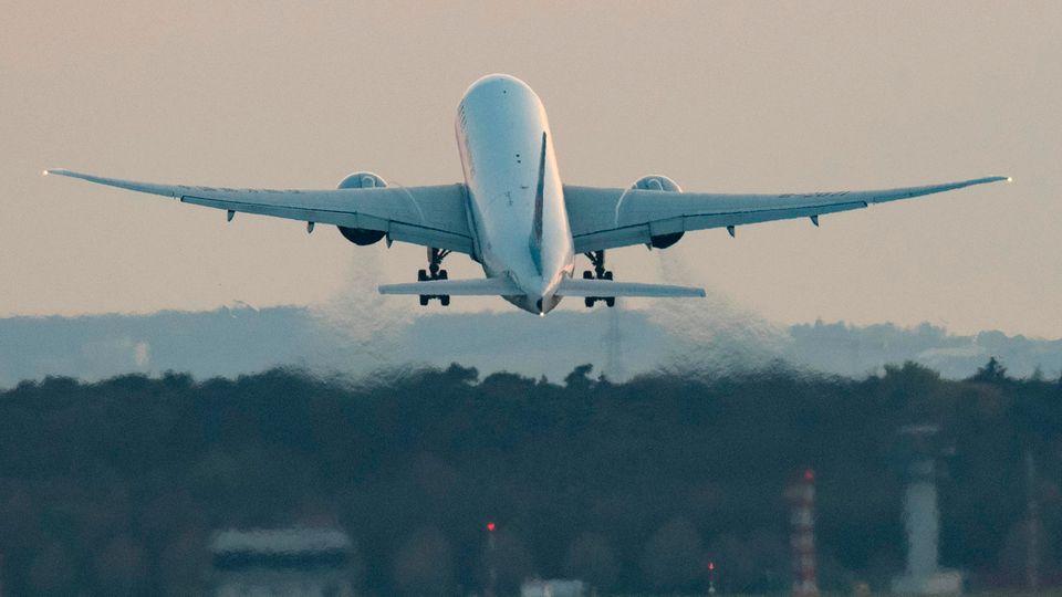 Die Beschwerden über Airlines beimLuftfahrt-Bundesamt (LBA) häufen sich:Grund sind verspätete Ticketerstattungen in Corona-Krise.