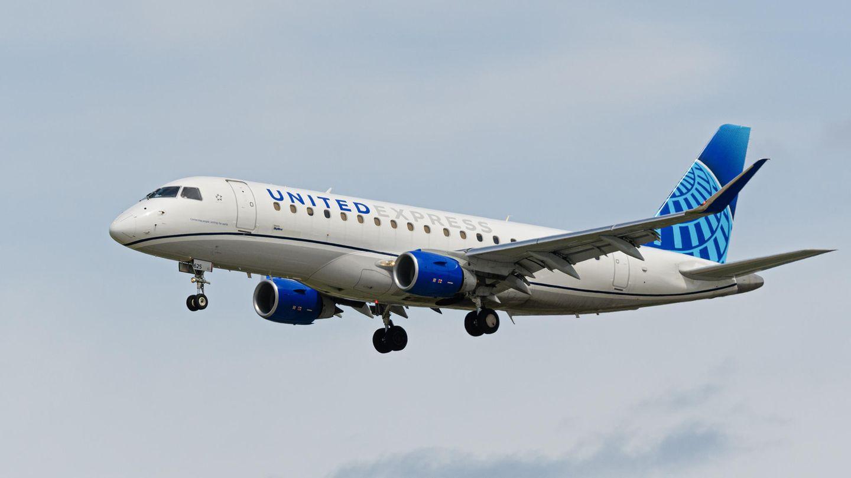 Embraer E175 von United Expres