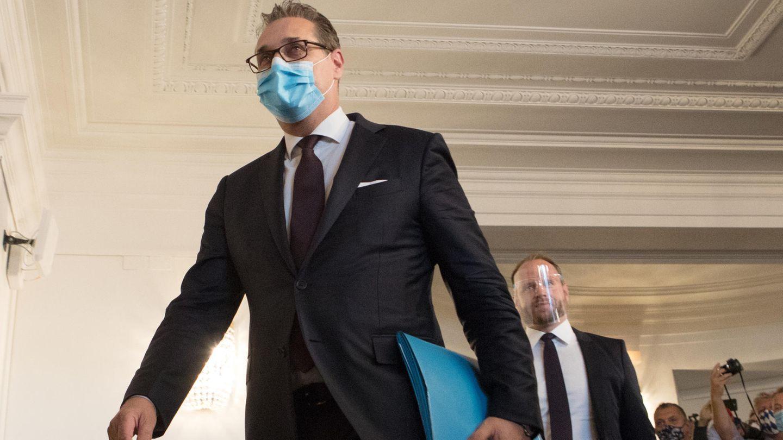 Strache betritt das Österreichische Parelament in Wien zur Anhörung zur sogenannten Ibiza-Affäre.