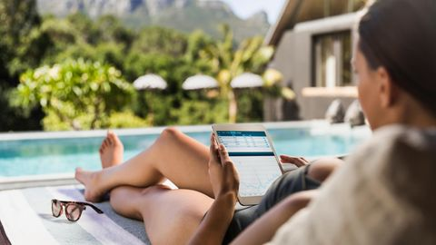 Tablets kann man nicht nur auf der Couch benutzen (Symbolbild)