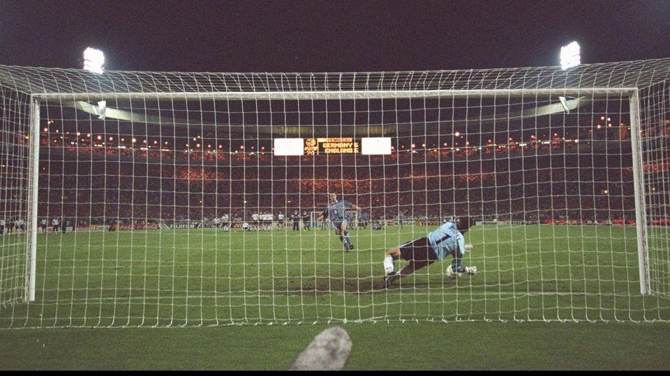 Hinter dem Tor, 26.6.1996: Gareth Southgate vergibt den Elfmeter, Andreas Köpke hält