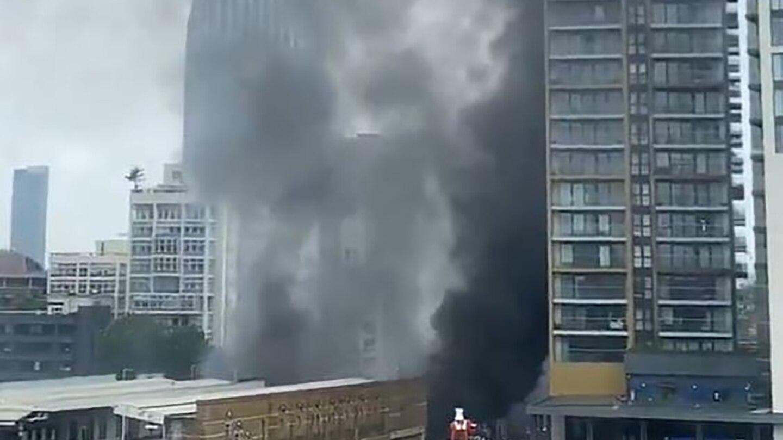 "London: 100 Feuerwehrleute bei Großbrand nahe Bahnhof ""Elephant and Castle"""