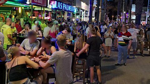 Feiernde auf Mallorca