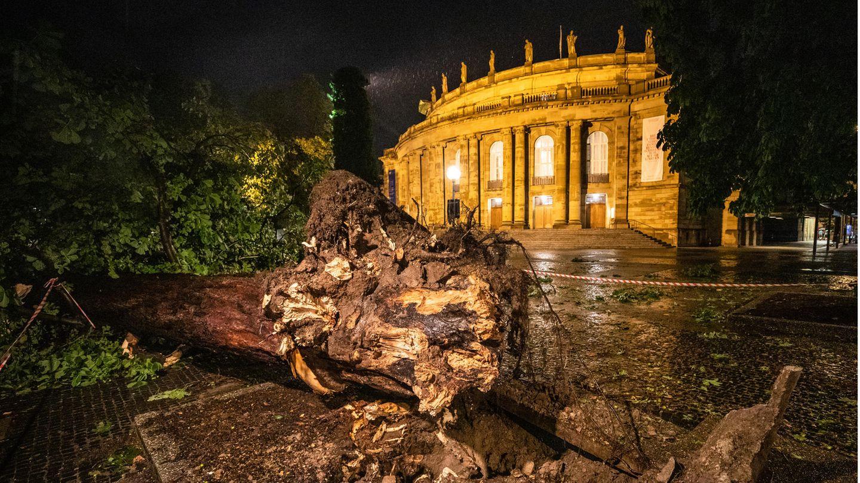 Große Schäden am Stuttgarter Opernhaus durch Unwetter
