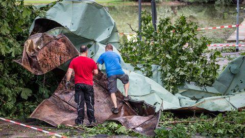 Ein starkes Unwetter war über weite Teile Baden-Württembergs hinweggezogen und hatte dabei große Schäden angerichtet.