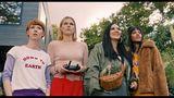 """Sie sind die """"Goldstein Girls"""", benannt nach dem gleichnamigen Frankfurter Stadtteil: Lena (Sarah Bauerett), Franzi (Llewellyn Reichman), Elif (Jasmin Shakeri) und Jo (Salka Weber) stehen im Mittelpunkt der neuen Serie """"Deadlines"""", die ZDFneo ab dem 13. Juli zeigt. Die vier Frauen um die 30 sind seit ihrer Schulzeit miteinander befreundet - und kommen nun in eine entscheidende Phase ihres Lebens: Heiraten? Kinder kriegen? Und wie soll es beruflich weitergehen? Das sind die Fragen, die die vier unterschiedlichen Frauen umtreiben."""