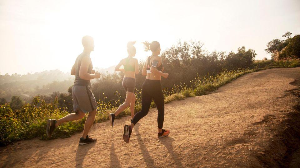 Sport in der Gruppe motiviert – wer mit den eigenen Grenzen vertraut ist, profitiert von der Gemeinschaft