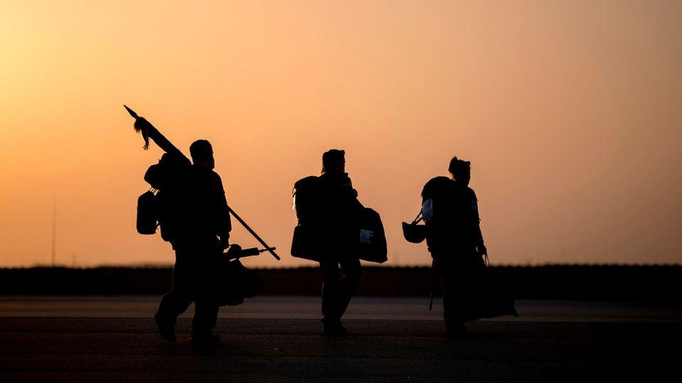 Bundeswehrsoldaten ziehen aus Afghanistan ab