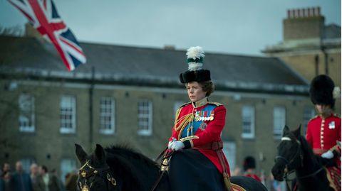 """Olivia Colman als Queen ElizabethII. in der britischen Netflix-Serie """"The Crown"""""""